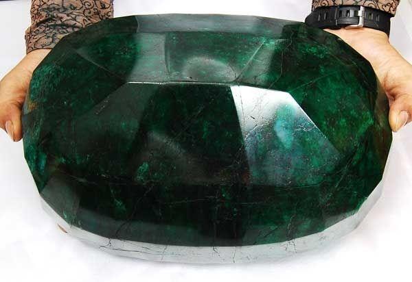 maior esmeralda do mundo