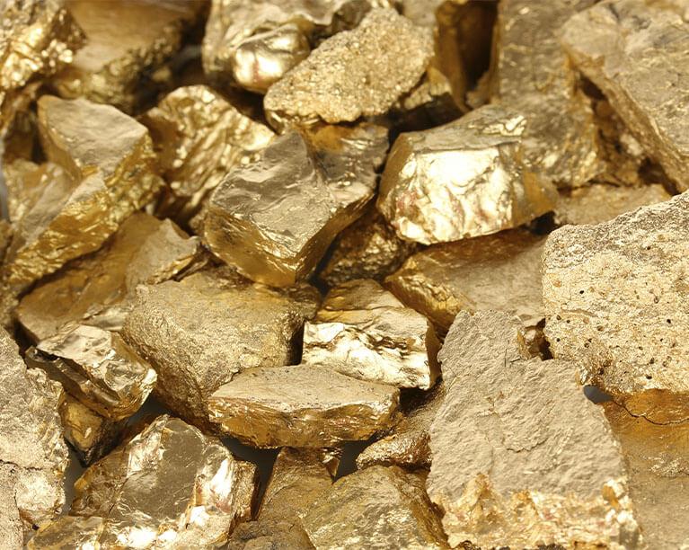 Ouro: um recurso não renovável, mas reciclável